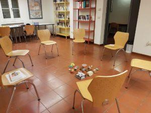 Comunicare con il cuore, la stanza della biblioteca a Pianoro