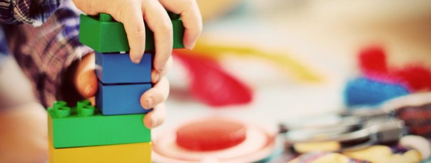 apprendimento bambino costruzioni
